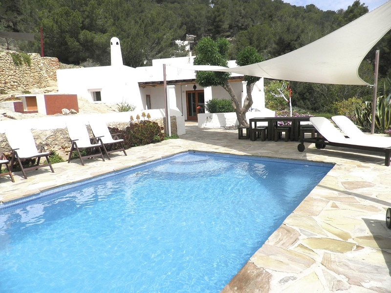 Modern Holiday Home in in Balearic islands with Pool, holiday rental in Sant Josep de Sa Talaia