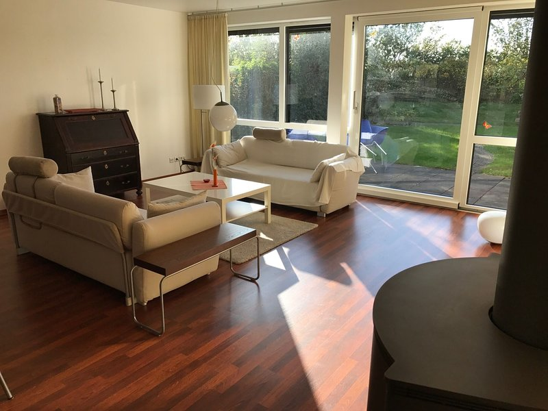 Spacious Apartment in Nienhage with Terrace, holiday rental in Admannshagen-Bargeshagen