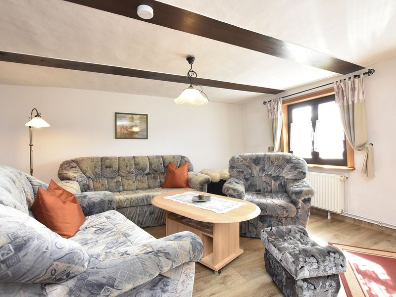 Sleep under a thatched roof - apartment in Ahlbeck near Haff, location de vacances à Bruessow