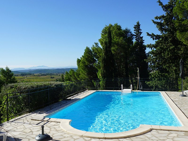 Villa with 3 suites, swimming pool, phenomenal view, walking distance restaurant, alquiler vacacional en Beaufort