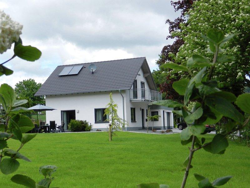 Beautiful Villa with Garden near Ski Area in Küstelberg, casa vacanza a Kustelberg