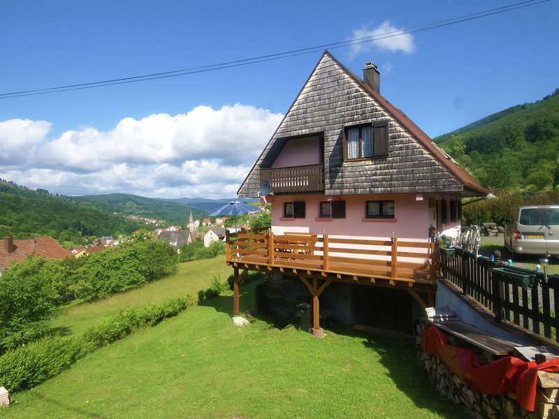 Comfortable Holiday Home with Fenced Garden in Natzwiller, holiday rental in Breitenbach
