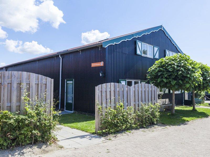 Charming Holiday Home near Beach in Meliskerke, holiday rental in Aagtekerke