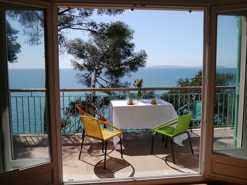 Sea View Holiday Hoome in Rayol-Canadel-sur-Mer, casa vacanza a Rayol-Canadel-sur-Mer