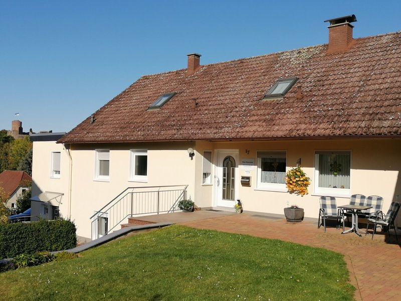 Comfortable Apartment in Polle Germany near the Forest, holiday rental in Bodenwerder