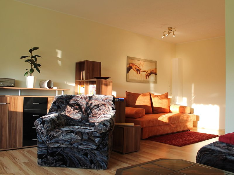 Sunlit Apartment with Garden in Satow near the Forest, casa vacanza a Goldberg