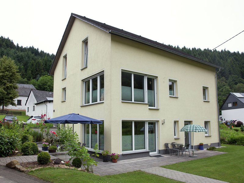 Idyllically located holiday residence near the Mosel., location de vacances à Trittenheim
