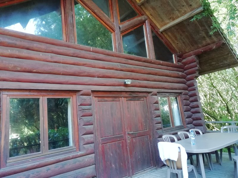 Charming Chalet with Swimming Pool in Quend, holiday rental in Quend