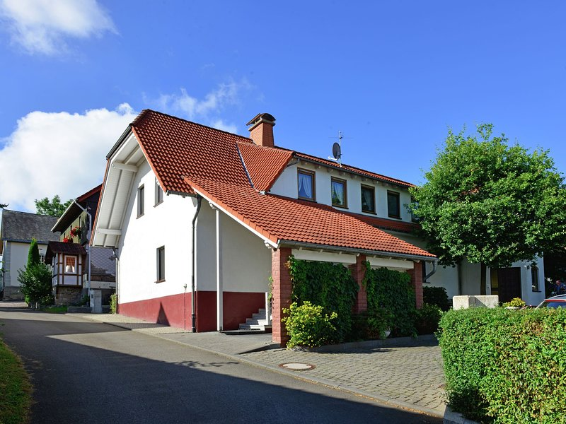Lovely Apartment in Eimelrod by the Forest, holiday rental in Helminghausen
