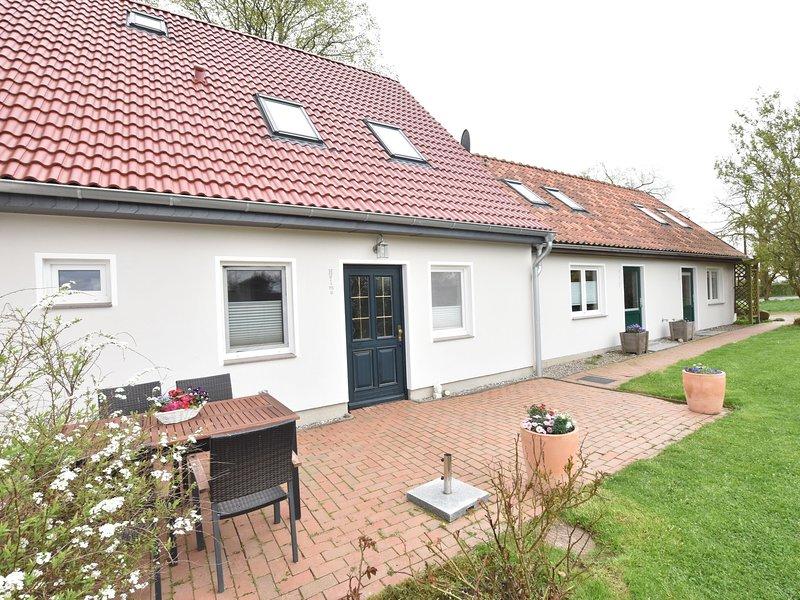 Modern Apartment in Stellshagen with Garden, holiday rental in Stellshagen