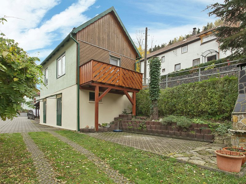 Cozy Holiday home in Schleusegrund Thuringia with parking and garden, vacation rental in Grabfeld