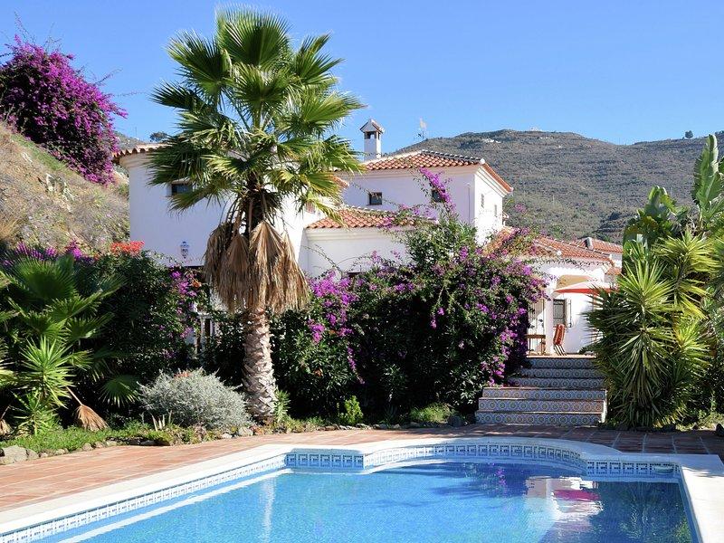 Comfortable luxury villa with private swimming pool, location de vacances à Loma las Chozas