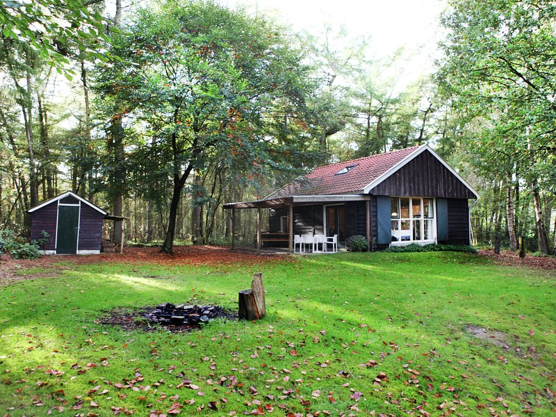 Holiday home hidden in the wood, in Vechtdal, Overijssel, casa vacanza a Beerze