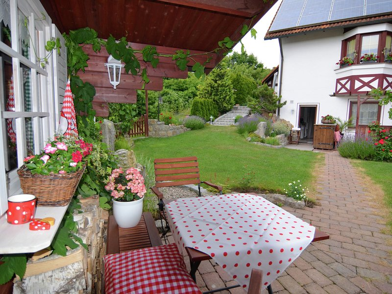 Quaint Apartment in Zeil am Main with Terrace, holiday rental in Friesenhausen