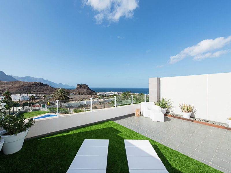 Elegant apartments with balcony with sea view in Agaete on Gran Canaria, holiday rental in Agaete