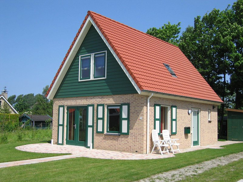 Well maintained, detached holiday home nearby Grevelingenmeer lake, holiday rental in Brouwershaven