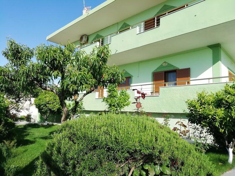 Ksamil Studio with balcony, holiday rental in Ksamil