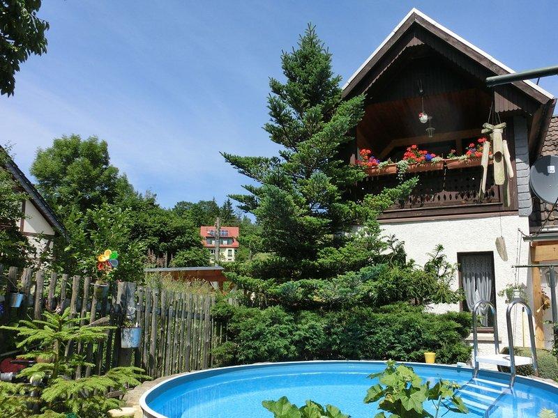 Apartment in the Harz with a covered balcony and lovely garden, aluguéis de temporada em Neuwerk