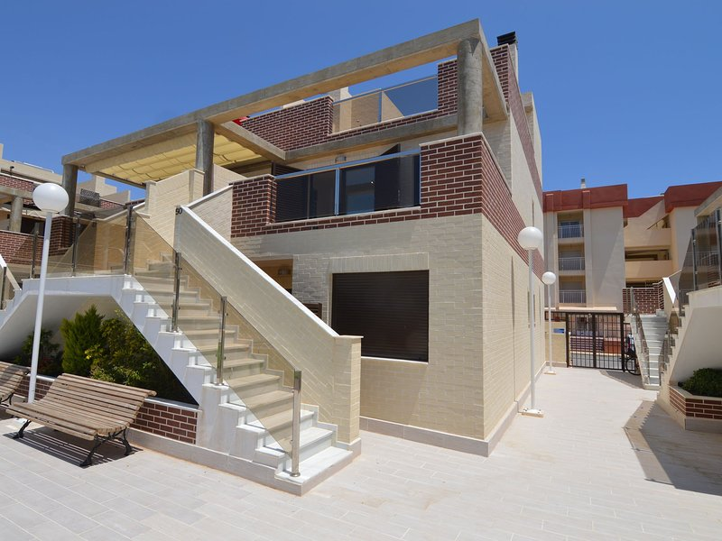 Modern Apartment in Orihuela with Sauna, holiday rental in Los Dolses