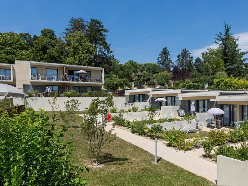 Modern apartment in the medieval Chinon in the Loire, holiday rental in Chinon