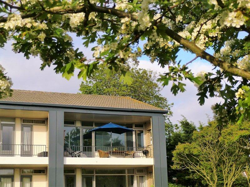 Seafront apartment in Noordwijk with Balcony – semesterbostad i Noordwijkerhout