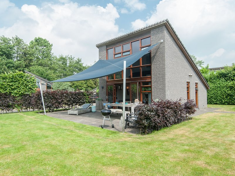 Modern and stylish holiday home on the small holiday park of Schoorl, holiday rental in Bergen
