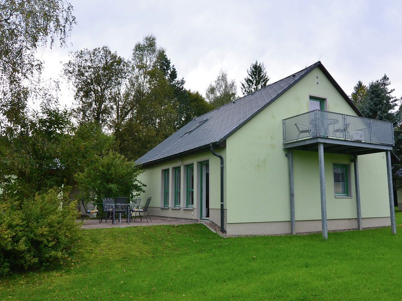 Detached holiday home in Saxony with gorgeous view, location de vacances à Altendorf
