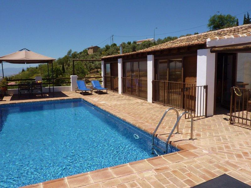 Luxurious Villa in Antequera with Private Pool, location de vacances à La Joya