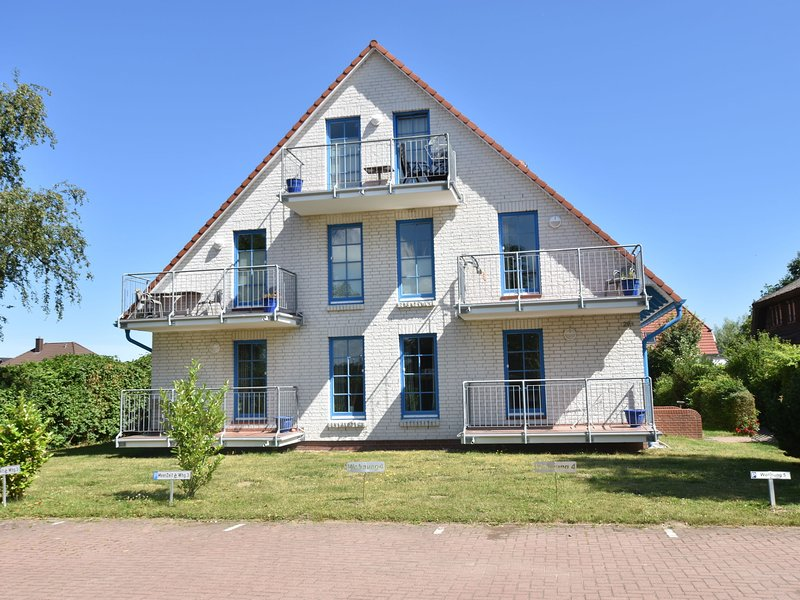 Lovely Apartment in Börgerende-Rethwisch near Baltic Sea, holiday rental in Huetten