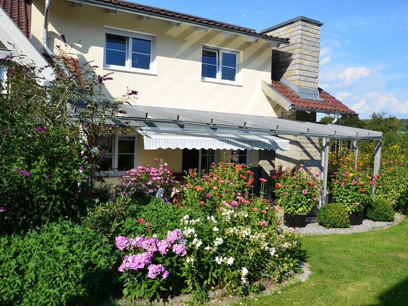 Modern Apartment in Dorn Bavaria with garden, location de vacances à Neureichenau