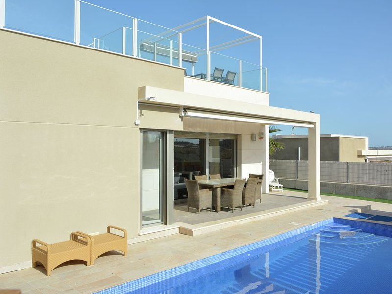Luxurious VIlla in Orihuela with Private Pool, holiday rental in Algorfa