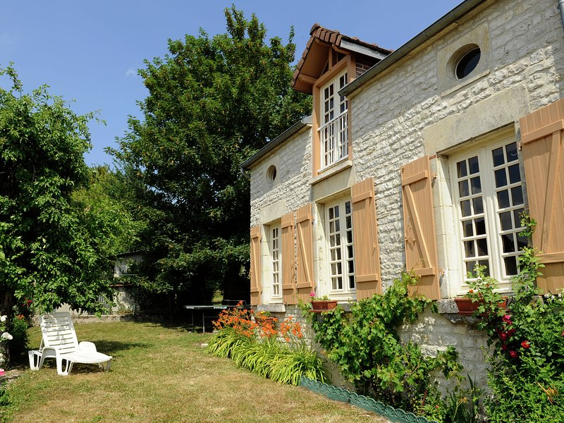 Romantic gîte in quiet village for Champagne lovers, holiday rental in Rizaucourt-Buchey