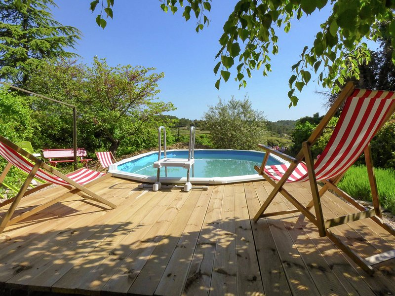 Charming cottage with stunning views in culture rich southern France, holiday rental in La Caunette
