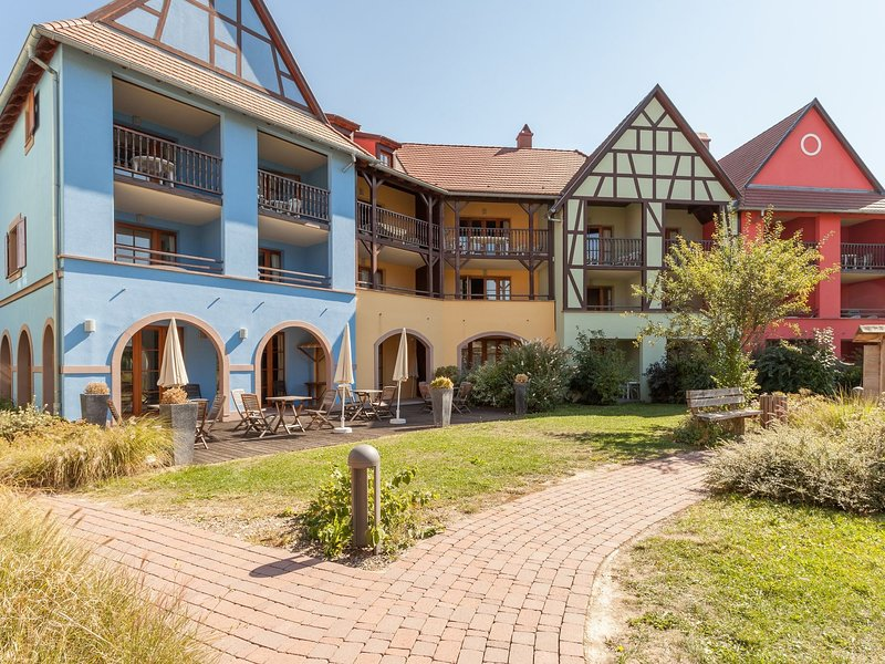 Charming apartment in the medieval village of Eguisheim, holiday rental in Eguisheim