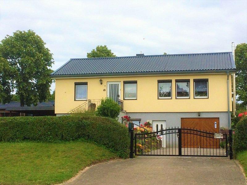 Pleasant Apartment in Damshagen near Baltic Sea, holiday rental in Grevesmuehlen