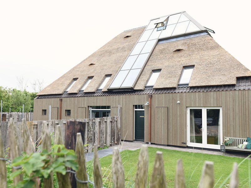 Apartment in authentic, rural farmhouse, holiday rental in Sint Maartenszee