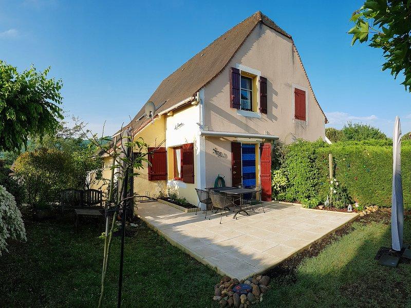 Beautiful Holiday Home in Aquitaine near the Forest, aluguéis de temporada em Grolejac