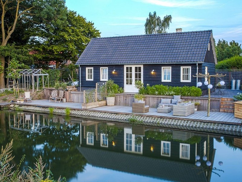Gorgeous Riverside Chalet in Cothen, location de vacances à Woudenberg