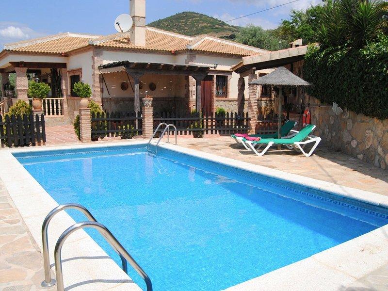 Traditional Andalusian villa in La Higuera., location de vacances à La Joya