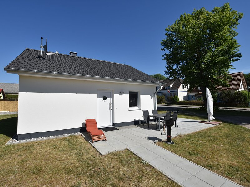 Cozy Holiday Home in Pepelow with Garden, holiday rental in Neubukow