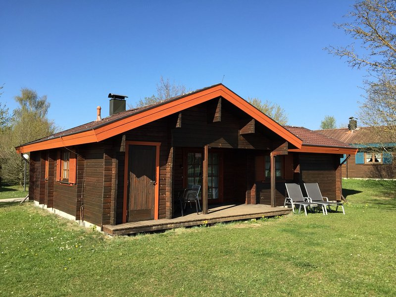 Cozy, wooden bungalow with a stove, in a nature reserve, holiday rental in Sankt Johann