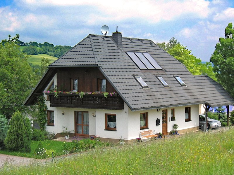 Beautiful Apartment in Pöhla Saxony near Ski Area, alquiler vacacional en Crottendorf