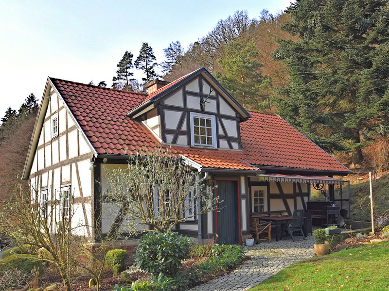 Detached holiday home in Rotenburg an der Fulda with fireplace and a large terra, aluguéis de temporada em Melsungen