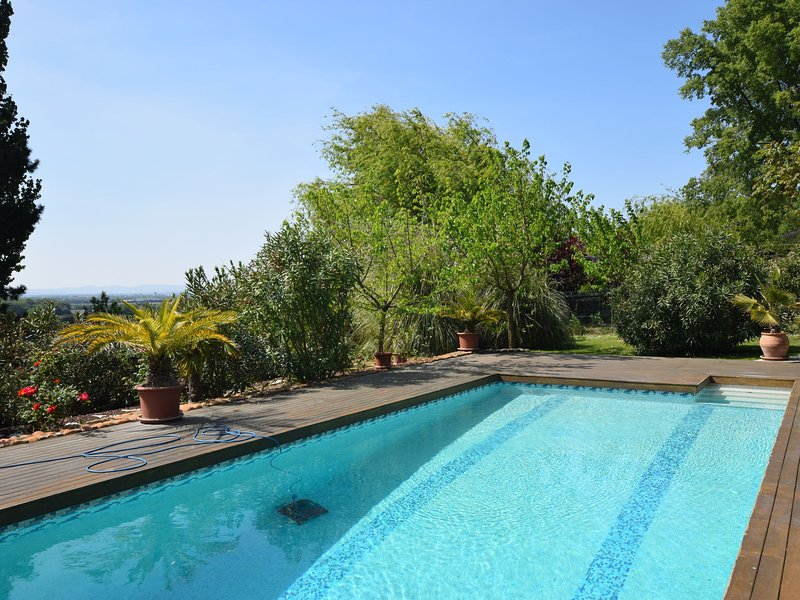 Holiday Home in Les Granges-Gontardes with Pool, location de vacances à Les Granges-Gontardes