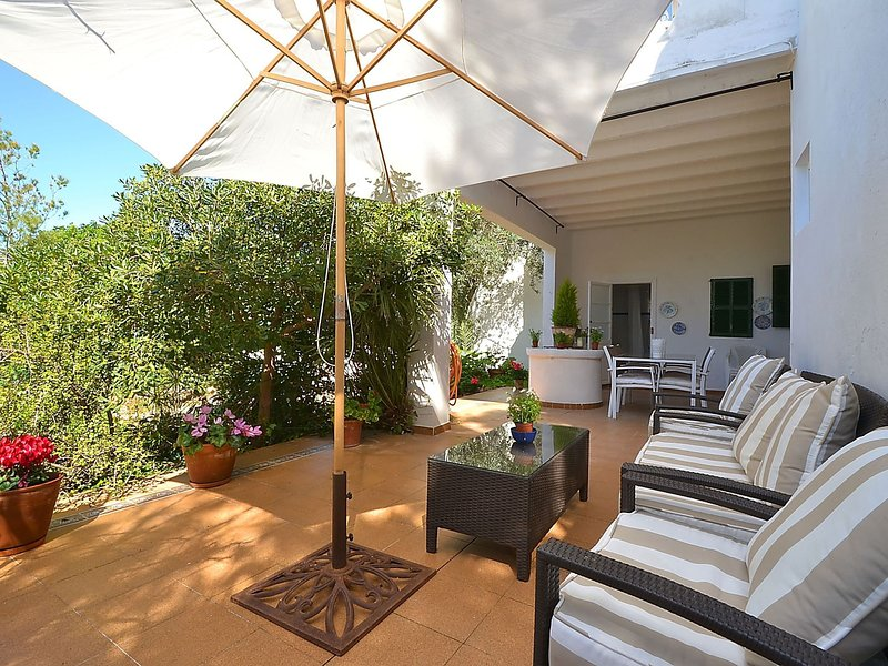 Quaint Holiday Home in Arta with Fireplace, holiday rental in Colonia de Sant Pere
