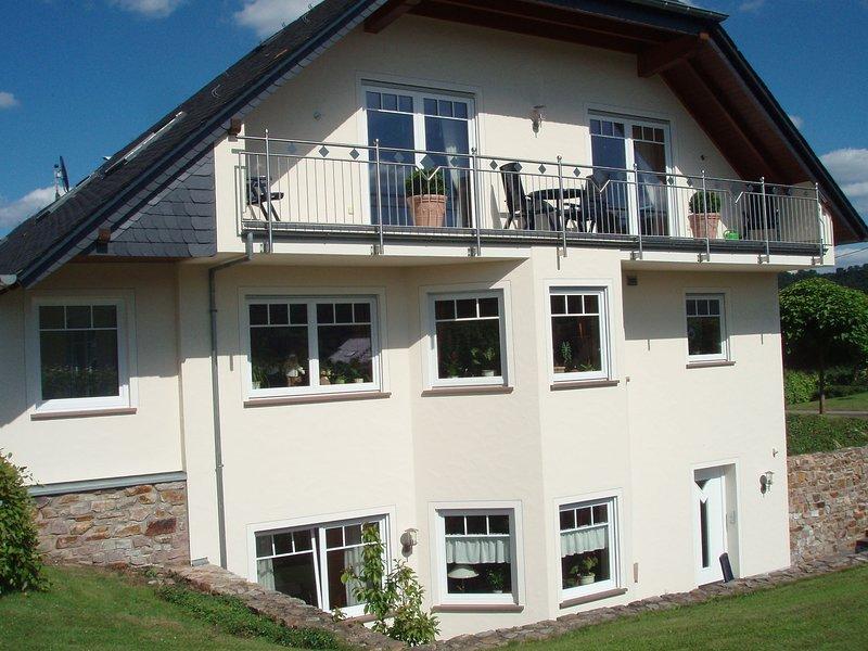 Luxurious Apartment in Kinheim in Idyllic Vineyards, holiday rental in Neuerburg