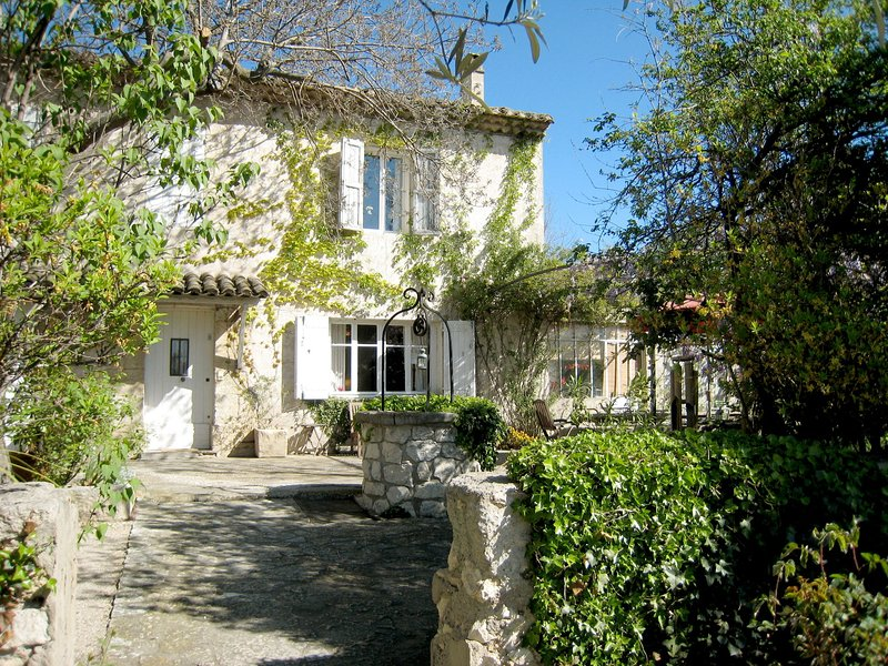 Luxurious Holiday Home in Cavaillon with Private Pool, holiday rental in Cavaillon