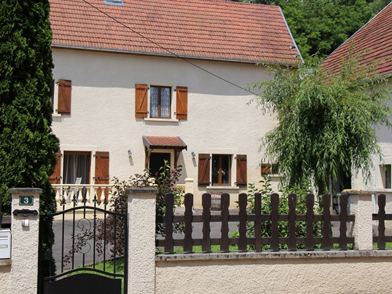 Quaint Holiday Home for 6 in Vanne, vacation rental in Membrey