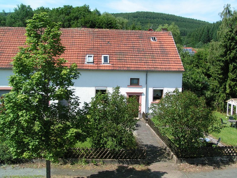 Romantic Holiday Home in Wallenborn near the Forest, location de vacances à Manderscheid