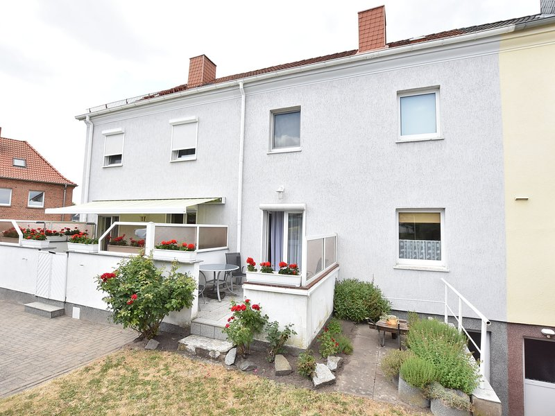 Spacious Holiday Home in Wismar Germany with Parasol, vacation rental in Wismar